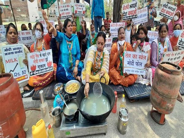 protested by frying pakodas in water