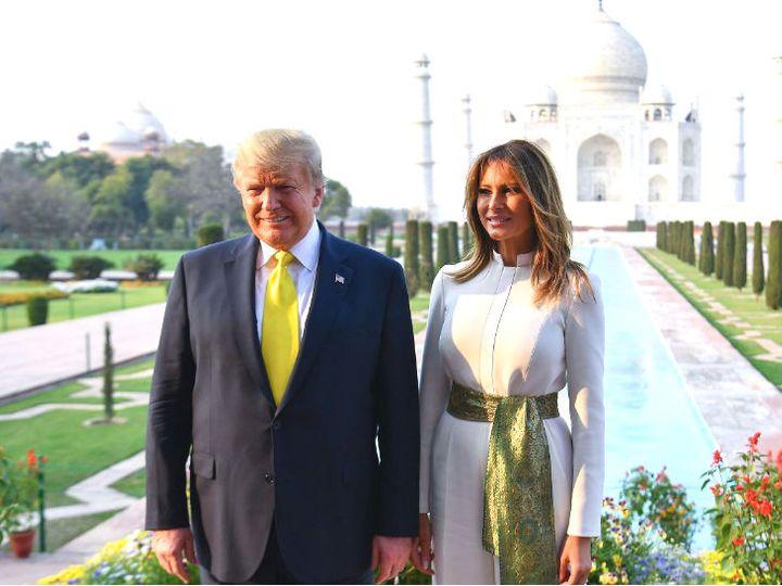 फोटो 24 फरवरी 2020 की है। तब अमेरिकी राष्ट्रपति डोनाल्ड ट्रम्प पत्नी मेलानिया के साथ भारत दौरे पर आए थे। फिलहाल उनके पास चुनाव फंड के रूप में आए 1825 करोड़ रुपए भी हैं। - Dainik Bhaskar