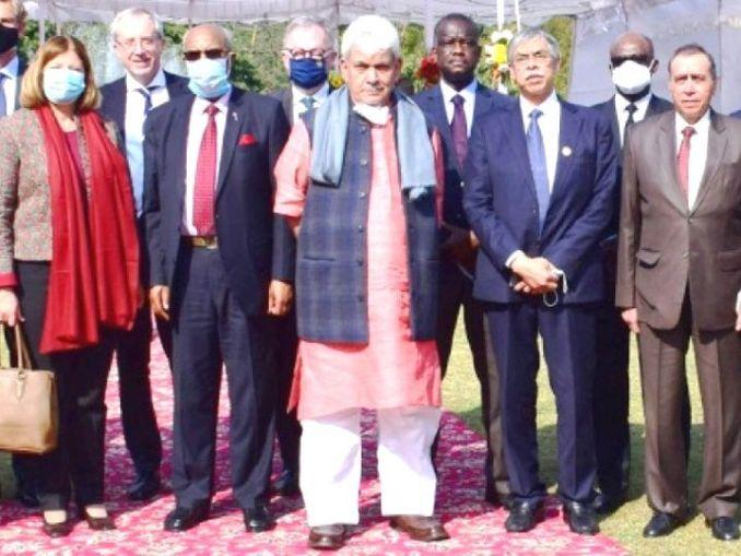 यूरोपीयन यूनियन की टीम ने दो दिन में LG मनोज सिन्हा और प्रमुख राजनीतिक एवं सामाजिक संगठनों से मुलाकात की थी। - Dainik Bhaskar