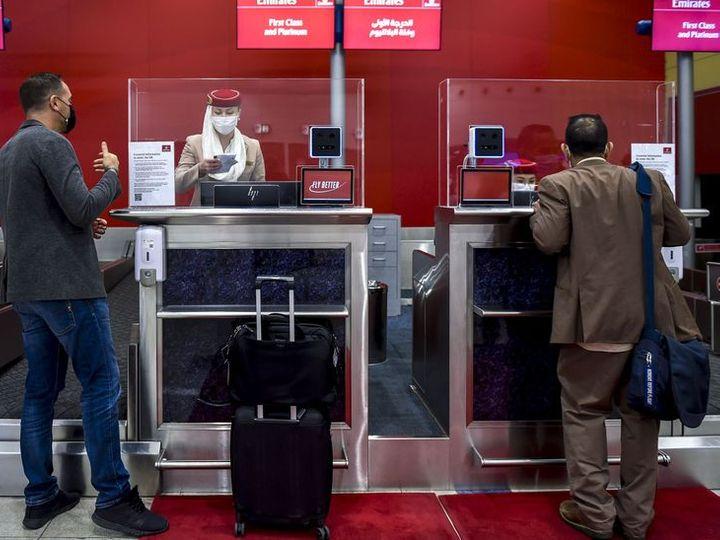 दुबई एयरपोर्ट अथॉरिटी ने लेटेस्ट फेस रिकग्निशन टेक्नोलॉजी का इस्तेमाल शुरू कर दिया है। इसके जरिए पैसेंजर का आईडेंटिफिकेशन यानी पहचान की जाएगी। - Dainik Bhaskar