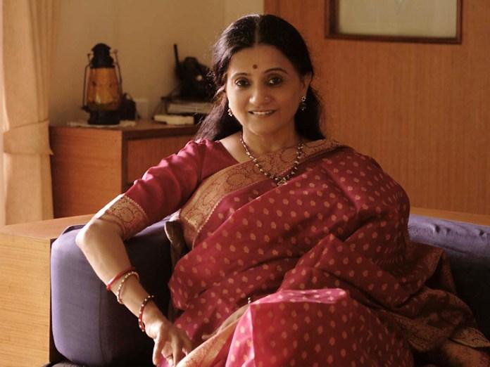 भावना सोमाया, जानी-मानी फिल्म लेखिका, समीक्षक और इतिहासकार हैं।