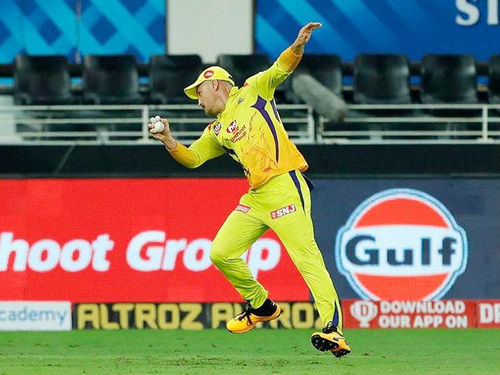 Faf du Plessis of Chennai took a brilliant catch from Bangalore opener Devdutt Padikkal.