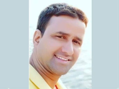 शहीद सब इंस्पेक्टर राकेश डोभाल। वे उत्तराखंड के ऋषिकेश जिले के गंगानगर के रहने वाले थे।