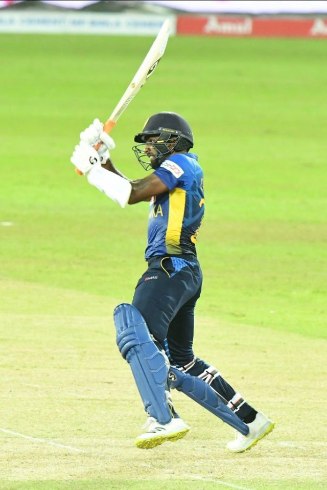 In the end, Chamika Karunaratne played a crucial unbeaten innings of 44 runs off 33 balls.  During this, he also made 2 helicopter shots.