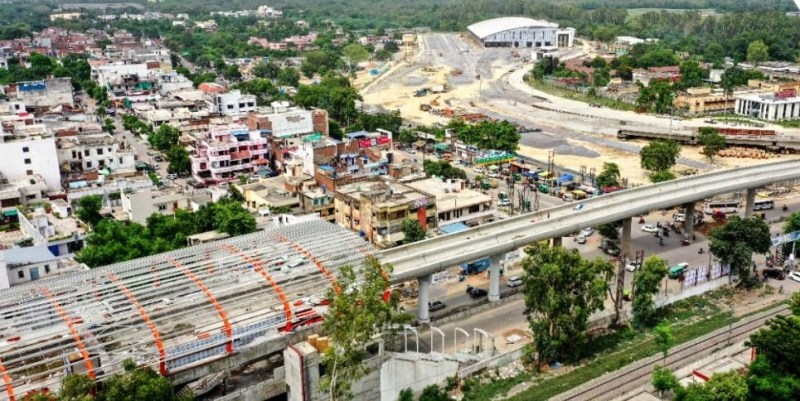 The work of Gurudev Metro station is also going to be completed soon.