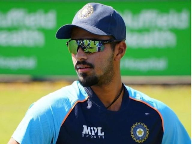 Washington Sundar suffered a thumb injury during this match.  He has been ruled out of the Test series.