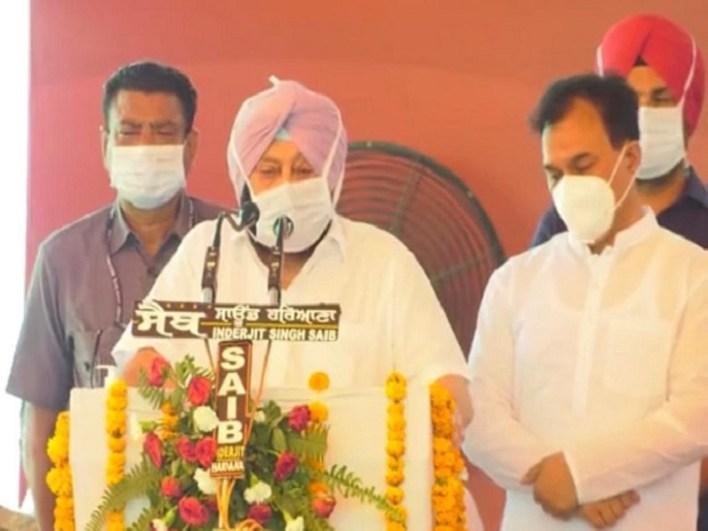 होशियारपुर में समागम को संबोधित करते कैप्टन अमरिंदर सिंह।