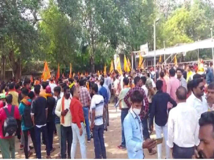 In Bilaspur, workers had gathered with the saffron flag.