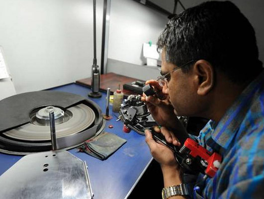 Before Corona, there were about 300 diamond units in Surat, which have now increased to more than 500.
