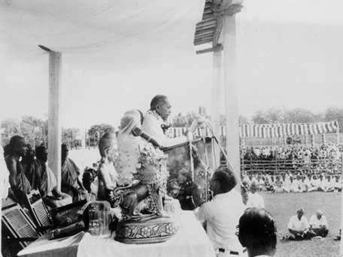Dr. Bhimrao Ambedkar addressing the people at the religious conversion meeting.