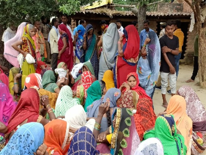 Sensation has spread in the village due to double murder in Naini.  A sad villager on the spot.