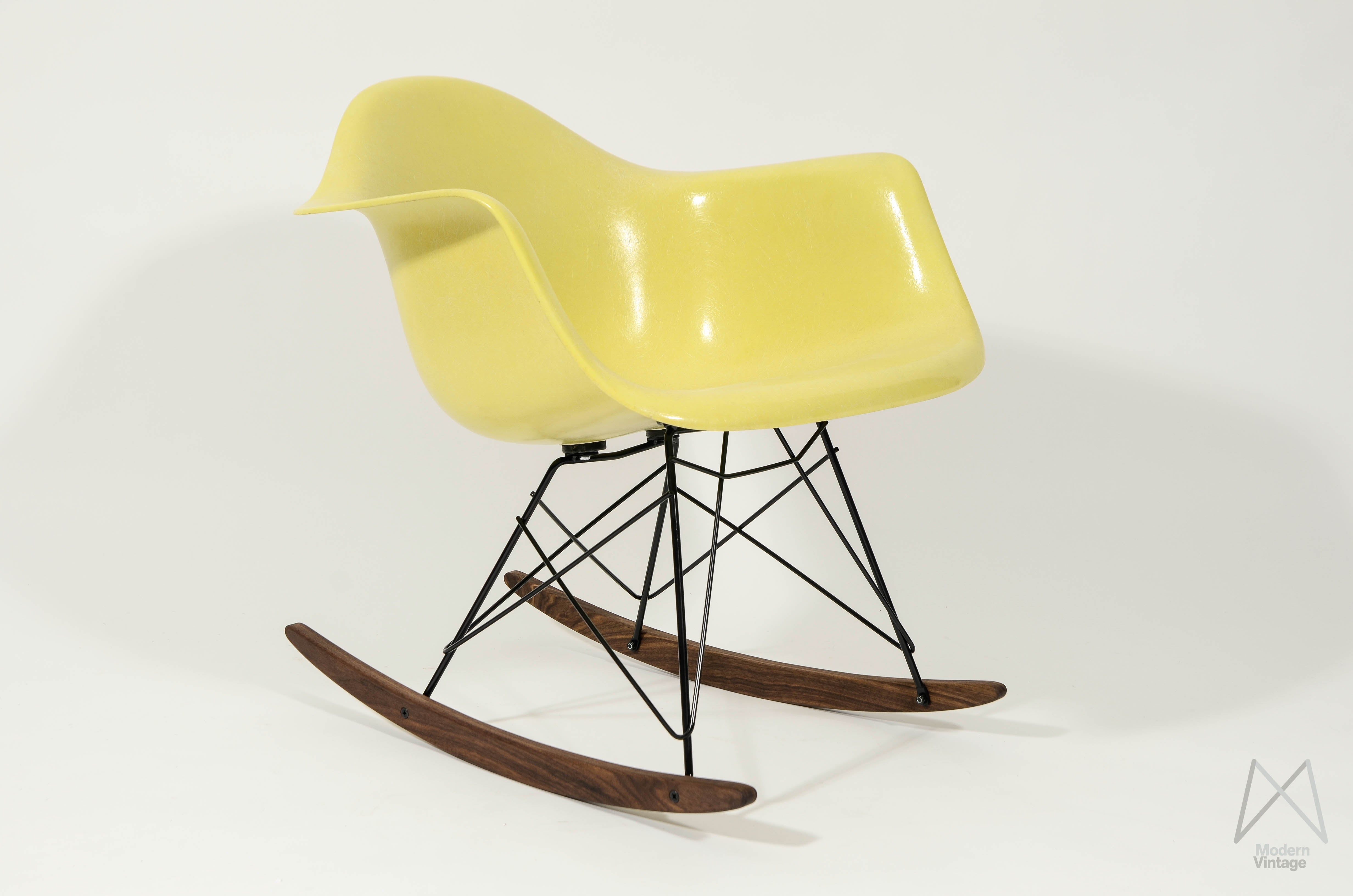 yellow rocking chair canvas butterfly modern vintage amsterdam original eames furniture