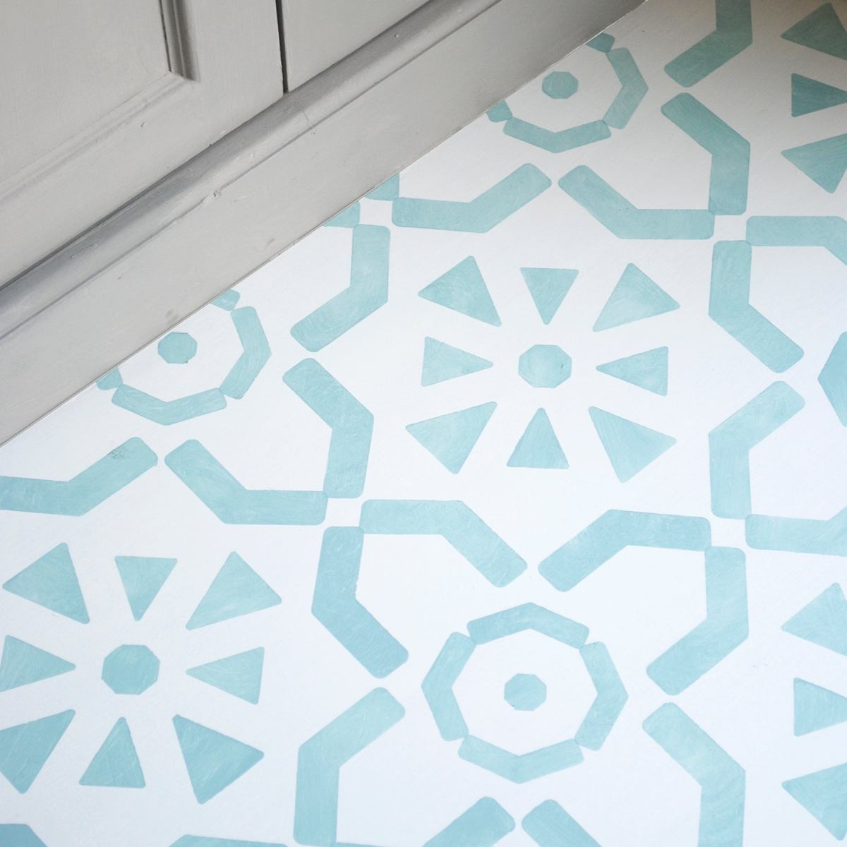 Single Story Home Design Large Ronda Floor Stencil / Nicolette Tabram