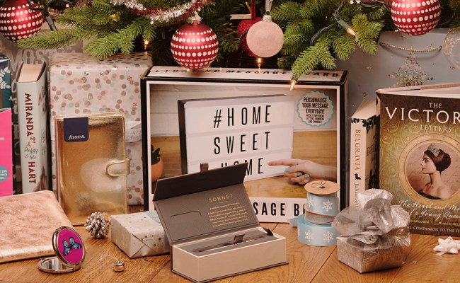Cracking Christmas Gifts For Her Whsmith Blog