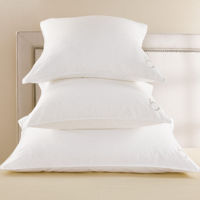 Bloomingdales Signature Synthetic Queen Pillow