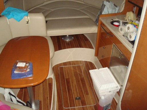 Chaparral 290 Signature 2009 Used Boat for Sale in Oakville Ontario