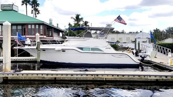 1994 Cruisers Yachts 4285 Express Bridge Punta Gorda
