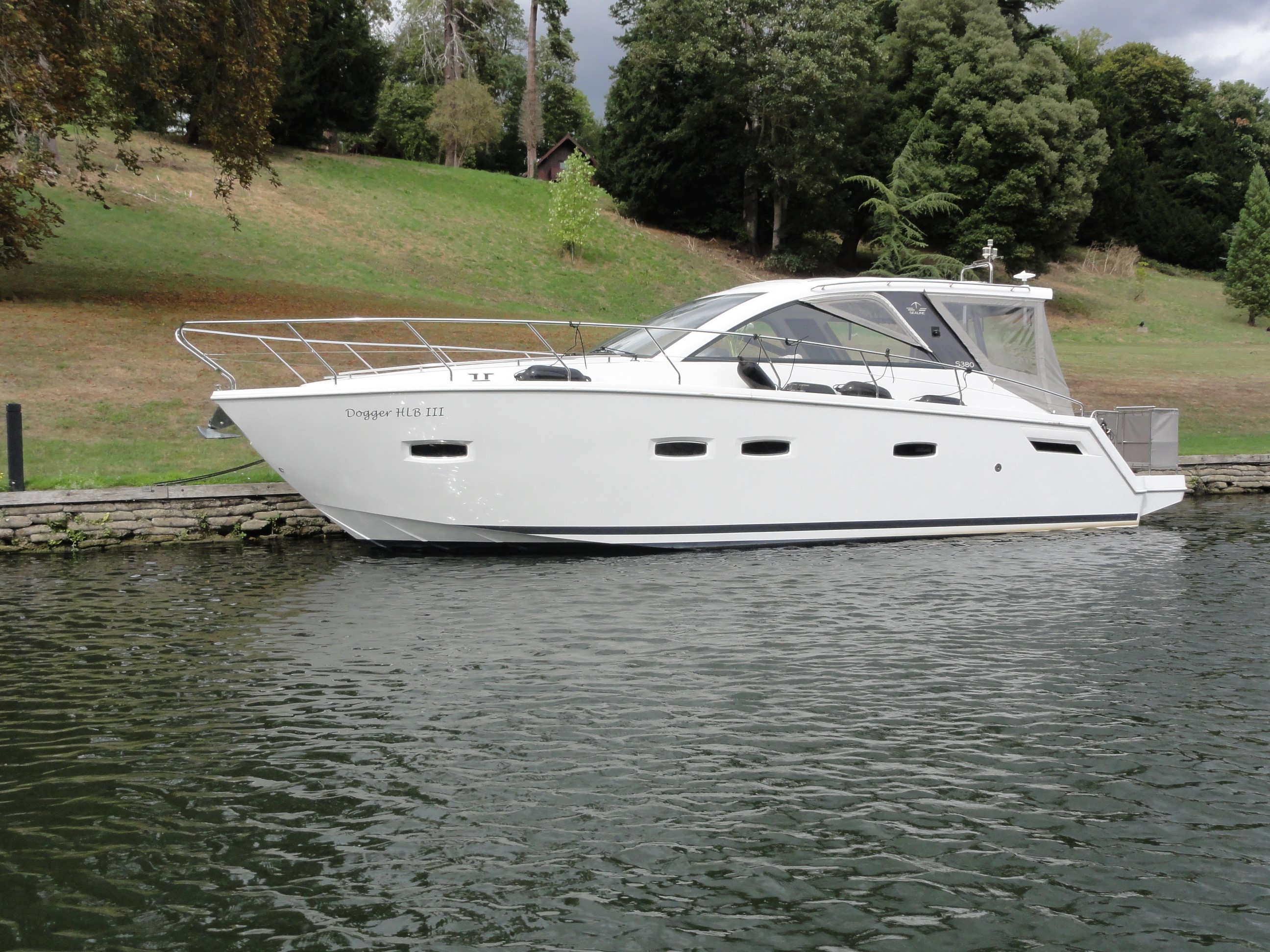 Invictus 370 GT Review