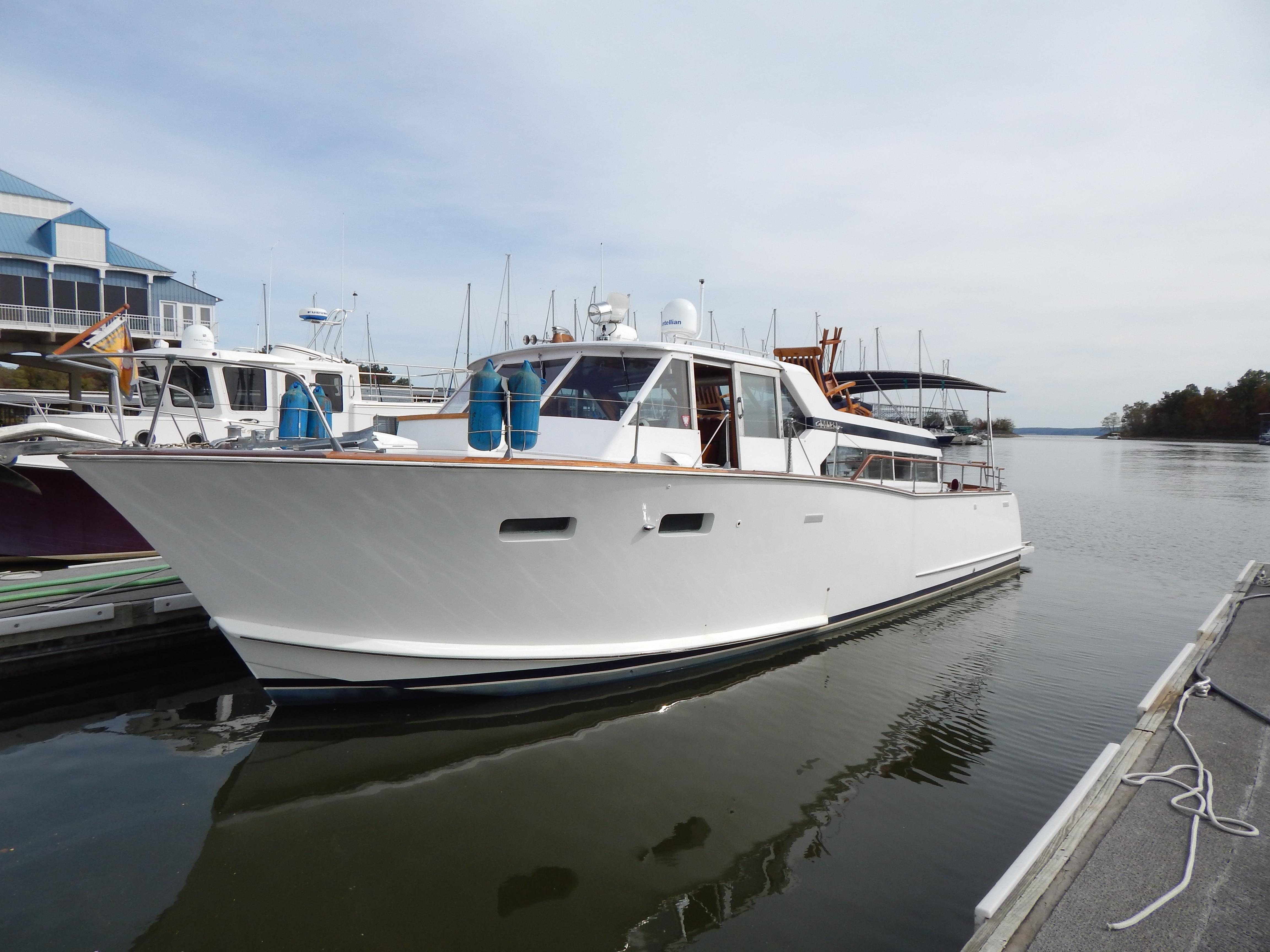 chris craft roamer offshore 38 [ 4608 x 3456 Pixel ]