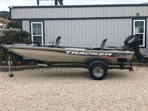 Tracker Panfish 17 Boat - Year of Clean Water