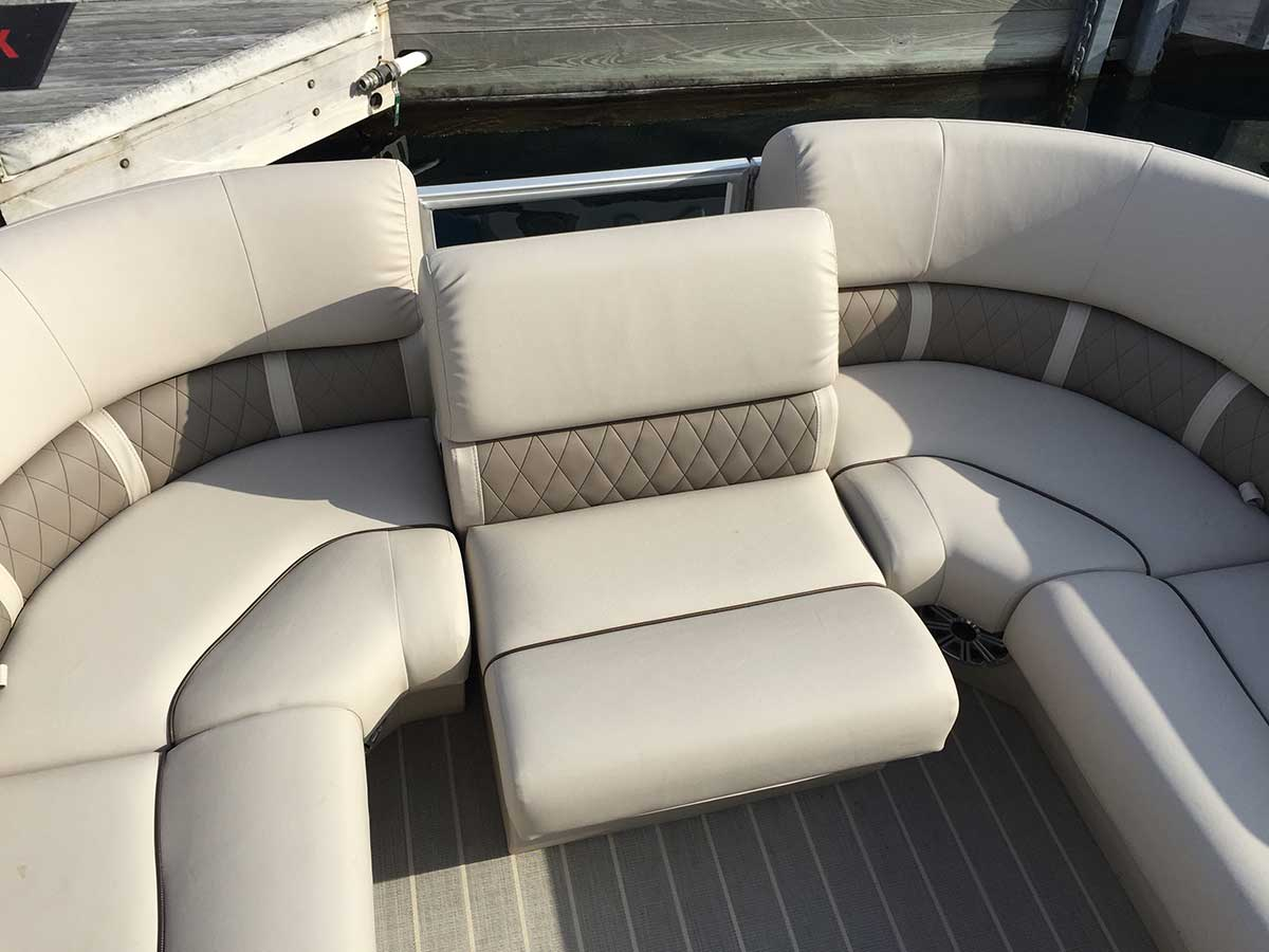 used captain chairs for boats upholstered folding diy bennington 2250 gsr relax to the max