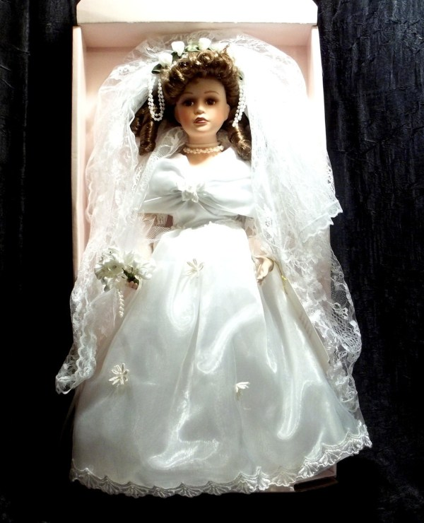 Porcelain Doll Collectible Memories Brunette Bride Shanna