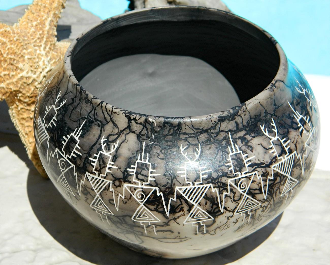 Acoma Pueblo Horse Hair Pottery Pot Native American Louis