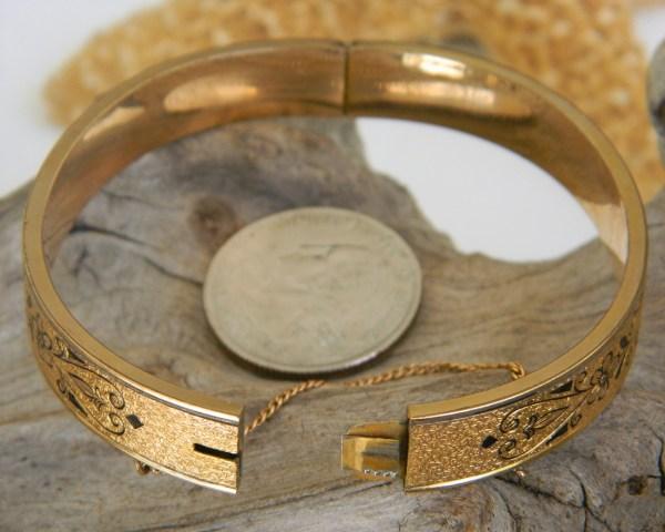 Vintage 10k Gold Filled Hinged Bangle Bracelet Etched Enamel - Bracelets