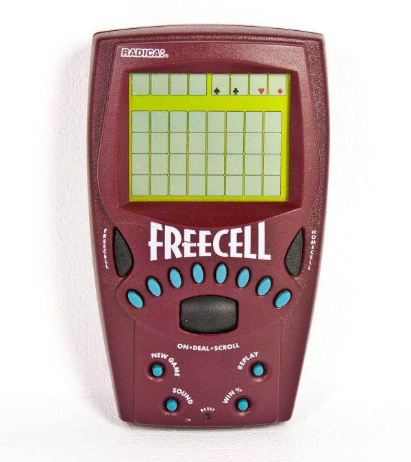 Radica Freecell Solitaire Handheld Electronic Travel Game