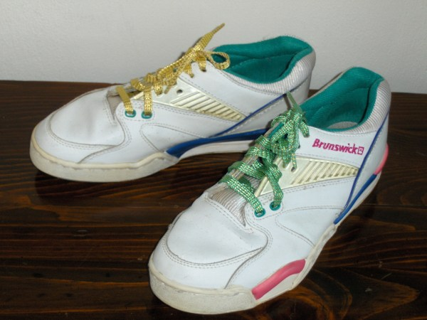 Brunswick Womens Bowling Shoes White Leather Size 8 Colorful Detail 58-109221 - Women