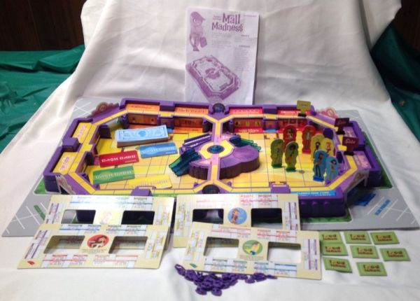 Milton Bradley Electronic Mall Madness 2004 Shopping Game