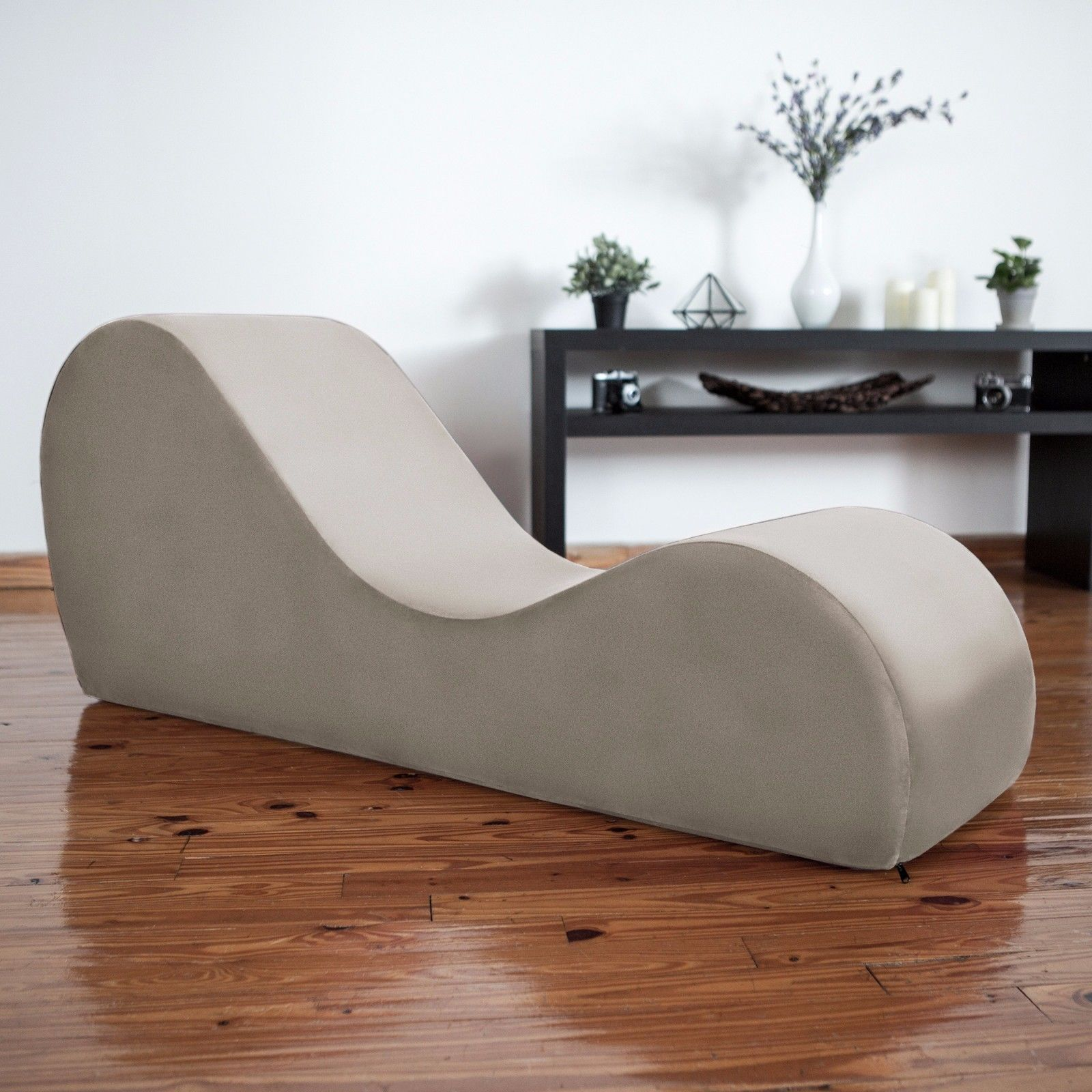yoga sofa seven seater set designs liberator kama sutra chaise and tantra lounger champagne