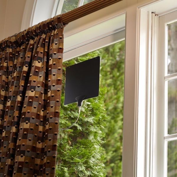 Mohu Leaf 30 Paper Thin Hdtv Amplified Indoor Antenna With Mile Range - Interior