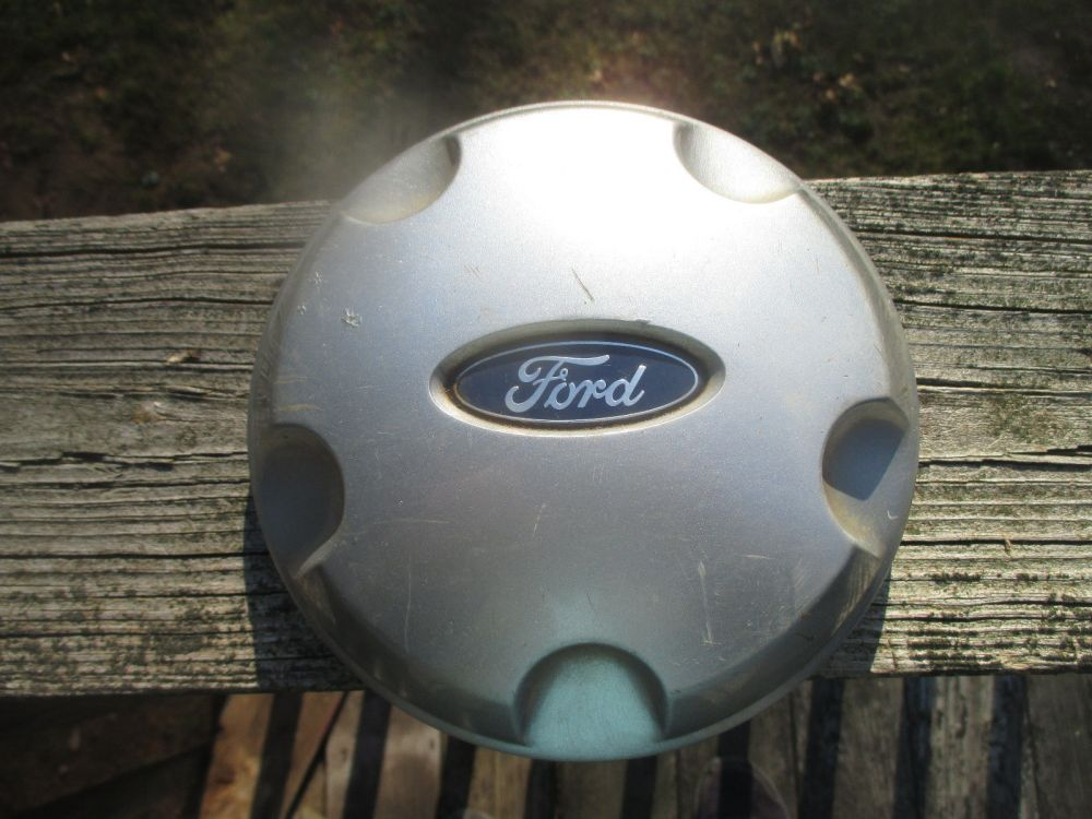 medium resolution of one 2002 to 2003 ford explorer hubcap center and 50 similar items s l1600