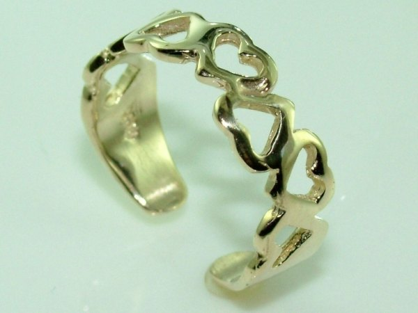 10k Gold Gorgeous Hearts Knuckle Toe Ring Adjustable - Rings
