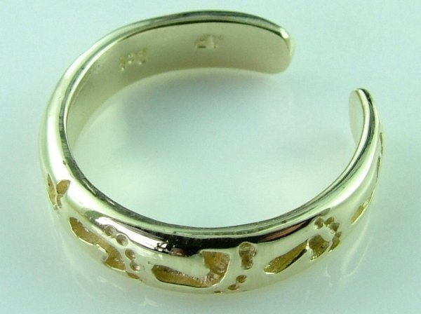 10k Gold Footprints In Sand Knuckle Toe Ring