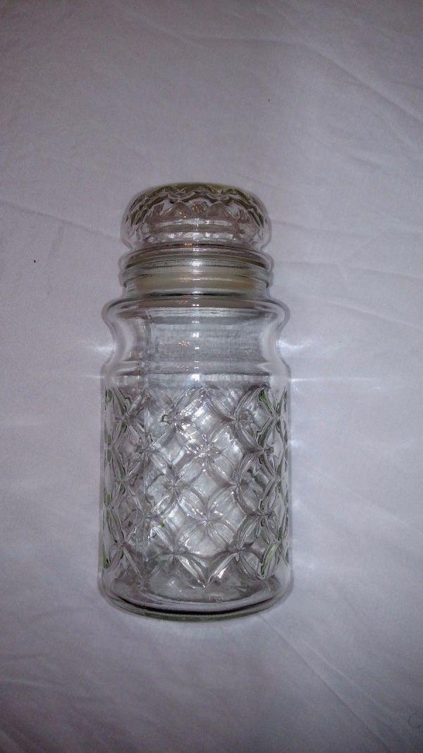 Vintage 1984 Planters Peanut . Clear Glass