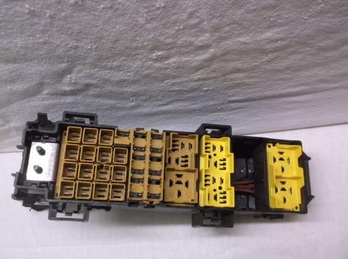 small resolution of 2007 07 jeep grand cherokee commander headlight fuse box
