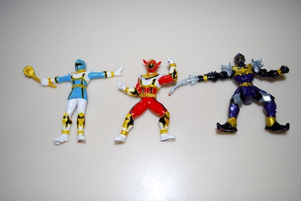 Power Ranger Mystic Force Blue Light Red Dragon Action Figures Bandai 2005 Lot 3 - Tv Movie