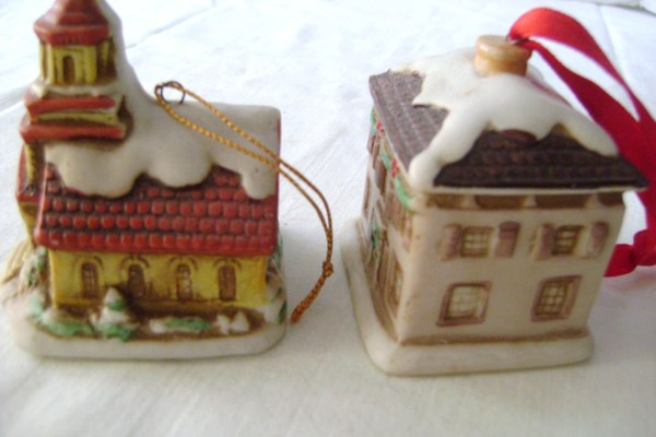 Lefton Holiday Colonial Village Church & House Ornaments