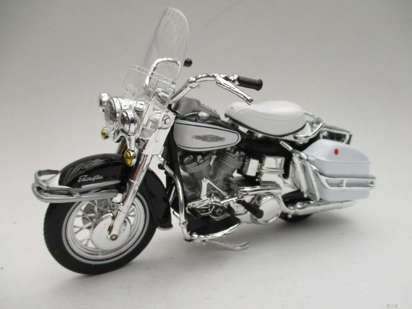 hight resolution of  maisto 1 18 harley davidson 1966 flh electra glide motorcycle bike model