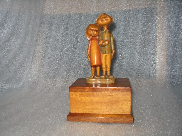 Anri Music Box Remember Hand Carved Wood 37 Note