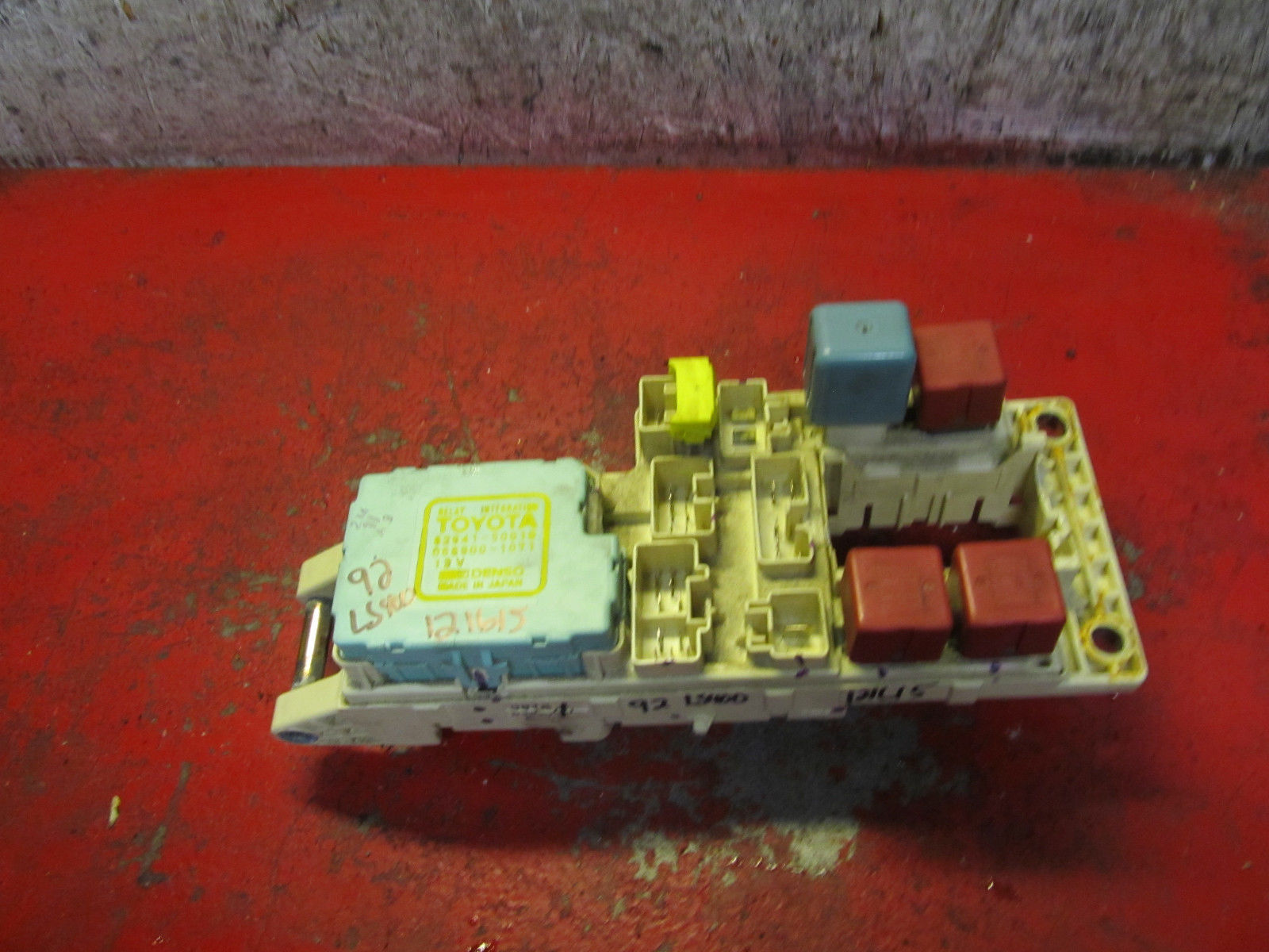 hight resolution of 94 93 90 91 92 lexus ls400 interior fuse box and similar items the interior of