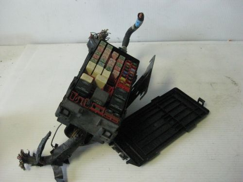 small resolution of ford windstar sel 2002 engine fuse box w mounting bracket pigtails oem 33 27