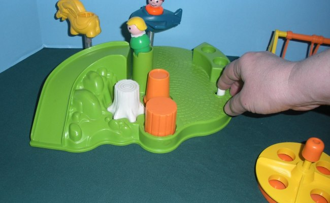 Vintage Fisher Price Little People 2525 Playground
