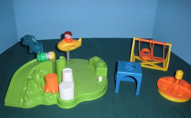 Vintage Fisher Price Little People 2525 Playground Play