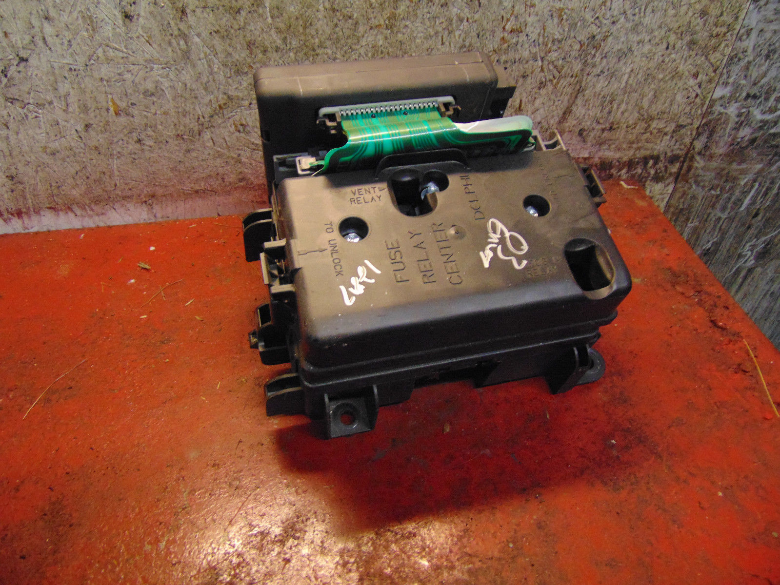hight resolution of 02 05 04 03 gmc envoy trailblazer fuse box panel body control module 15065293
