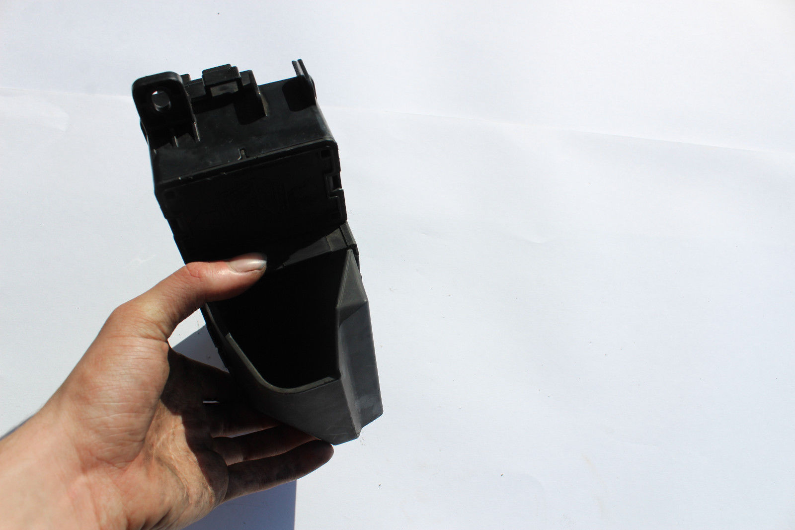 hight resolution of 2008 2010 mini cooper engine bay fuse box r1369