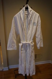 Spa Trump Hotel White Luxury Bath Robe Unisex