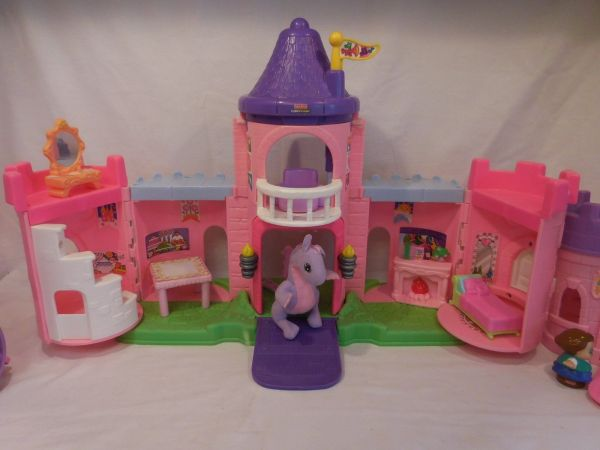 Fisher Little People Pink Castle Play '